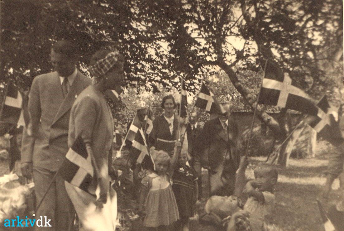 Dronning ingrid på besøg i Broager Private Børnehus, arkiv.dk fra 1941